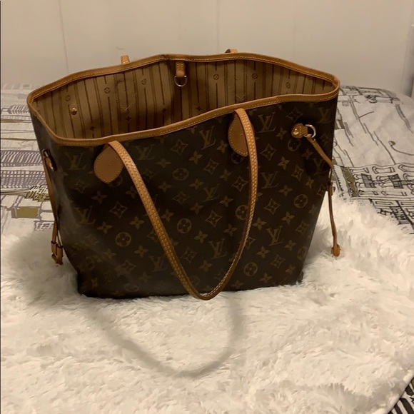 Louis Vuitton Handbags - Monogram Medium bag